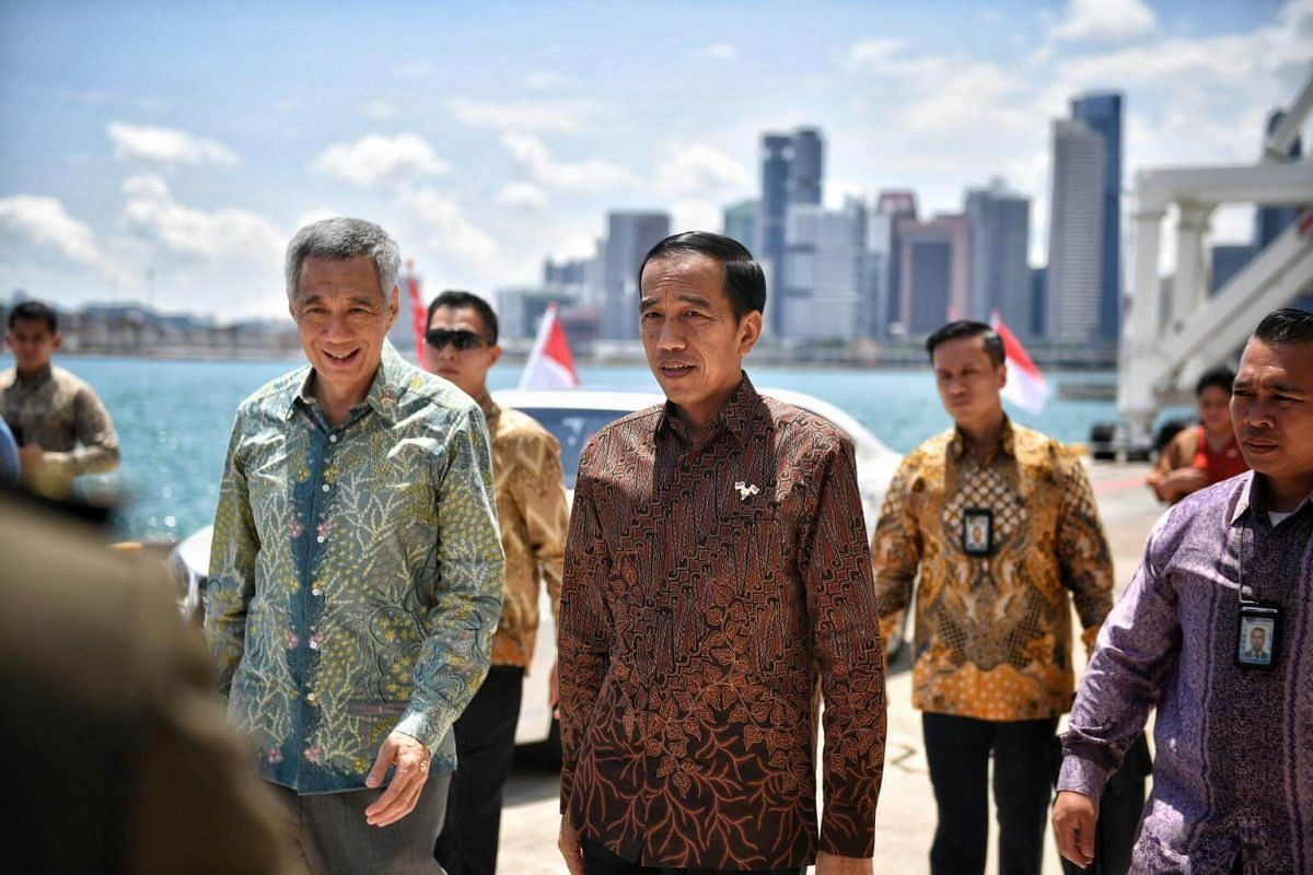 Prime Minister Lee Hsien Loong and Indonesia President Joko Widodo attending the Indonesia-Singapore Leaders' Retreat on Sept 7.