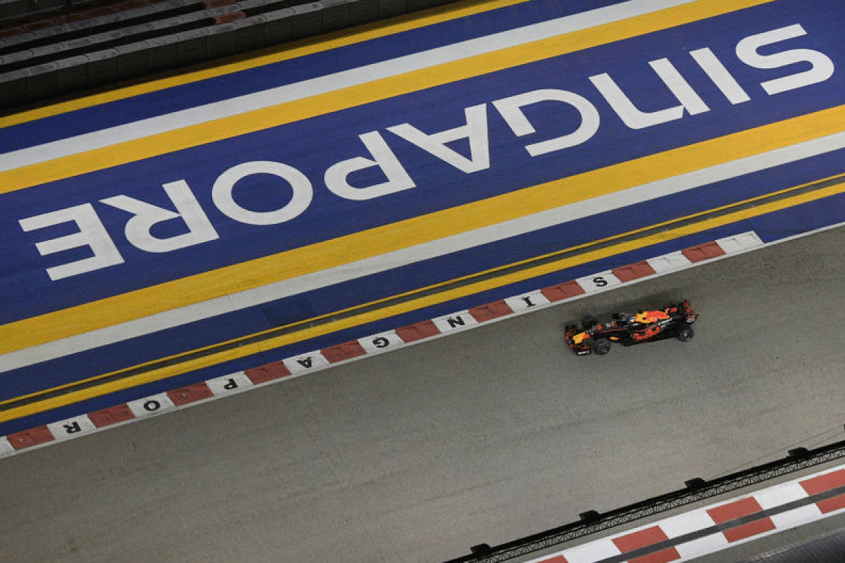 Australian Formula One driver Daniel Ricciardo of Red Bull Racing Tag Heuer negotiates turn 22 during the second practice session of the 2017 Formula One Singapore Airlines Singapore Grand Prix.