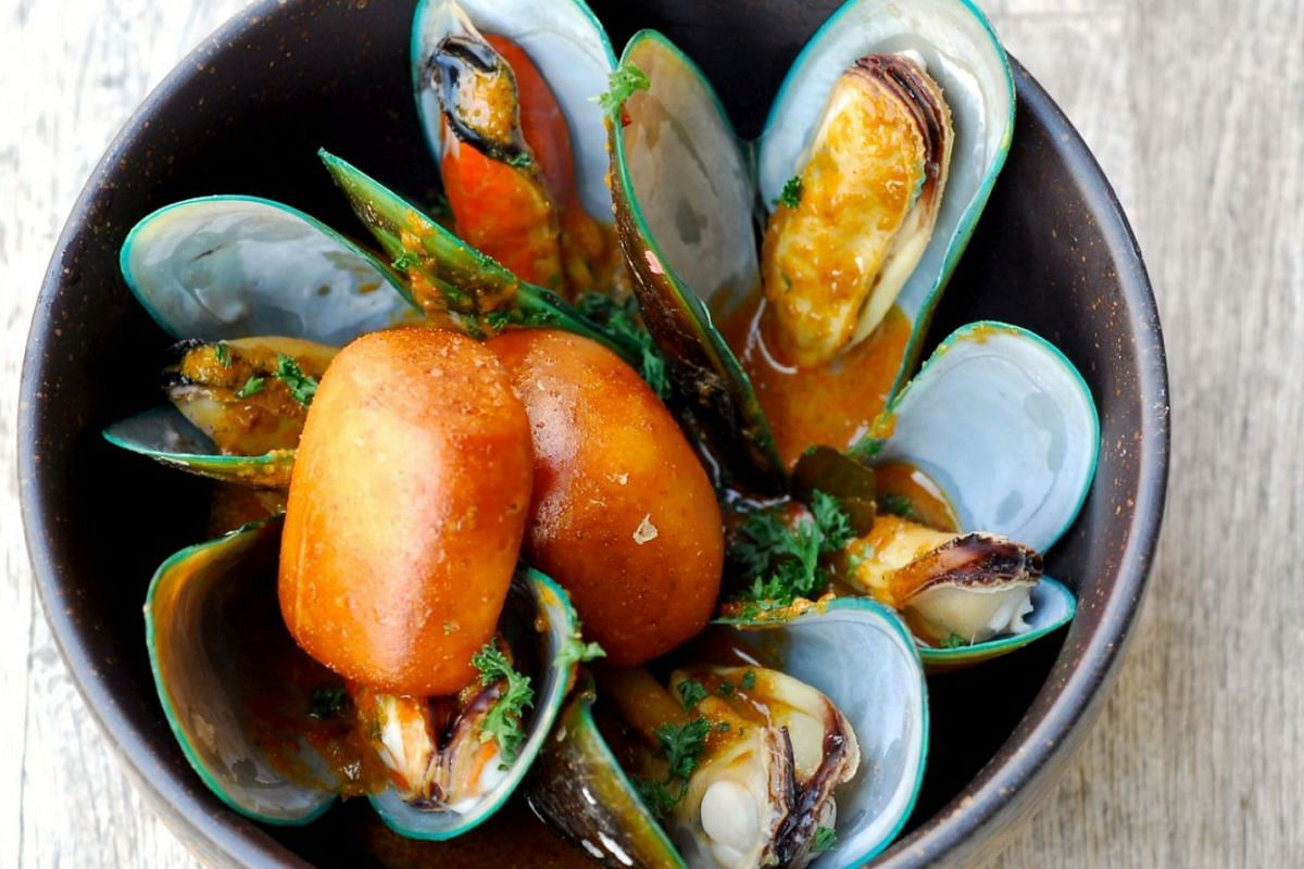 The curry mussels is the best dish on the menu of Scaled by Ah Hua Kelong restaurant.