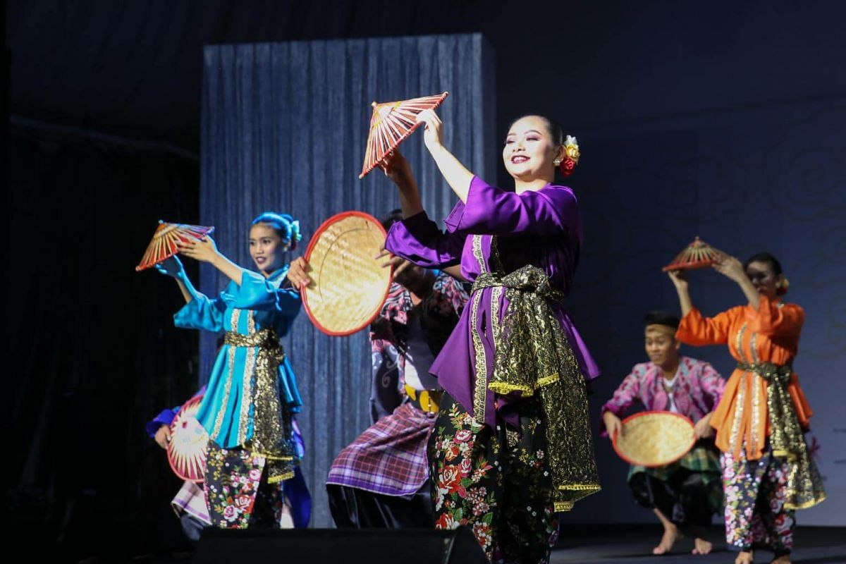 A full-dress rehearsal by Malay performing arts group Artiste Seni Budaya, which is formed by a group of professional performers.