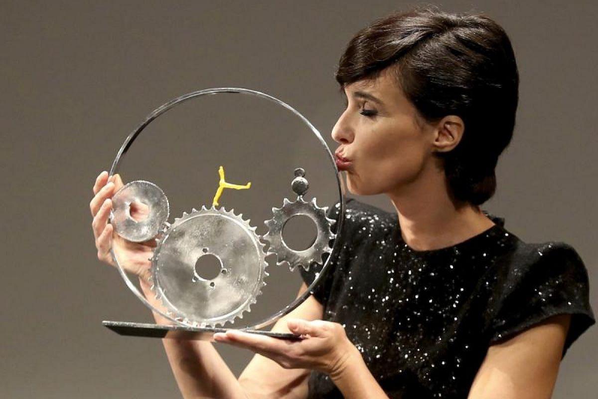 Spanish actress Paz Vega receives the Jaeger-LeCoultre Latin Cinema Award.