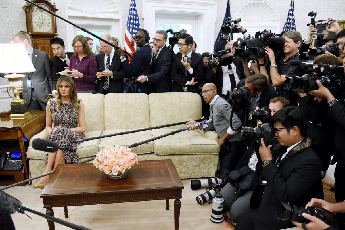 US First Lady Melania Trump looks on as the media covers the visit of Thailand's Prime Minister Prayut Chan-o-cha and Madam Chan-o-Cha at the White House, US, Oct 02, 2017. PHOTO: EPA-EFE