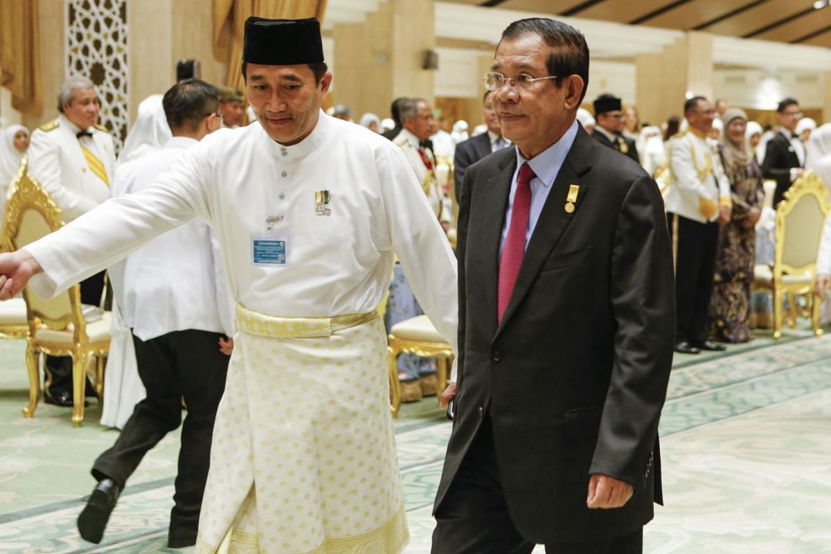 Cambodia Prime Minister, Hun Sen, arrives for the royal banquet as part of the Golden Jubilee celebrations at Sultan's palace in Bandar Seri Begawan, on Oct 6, 2017.