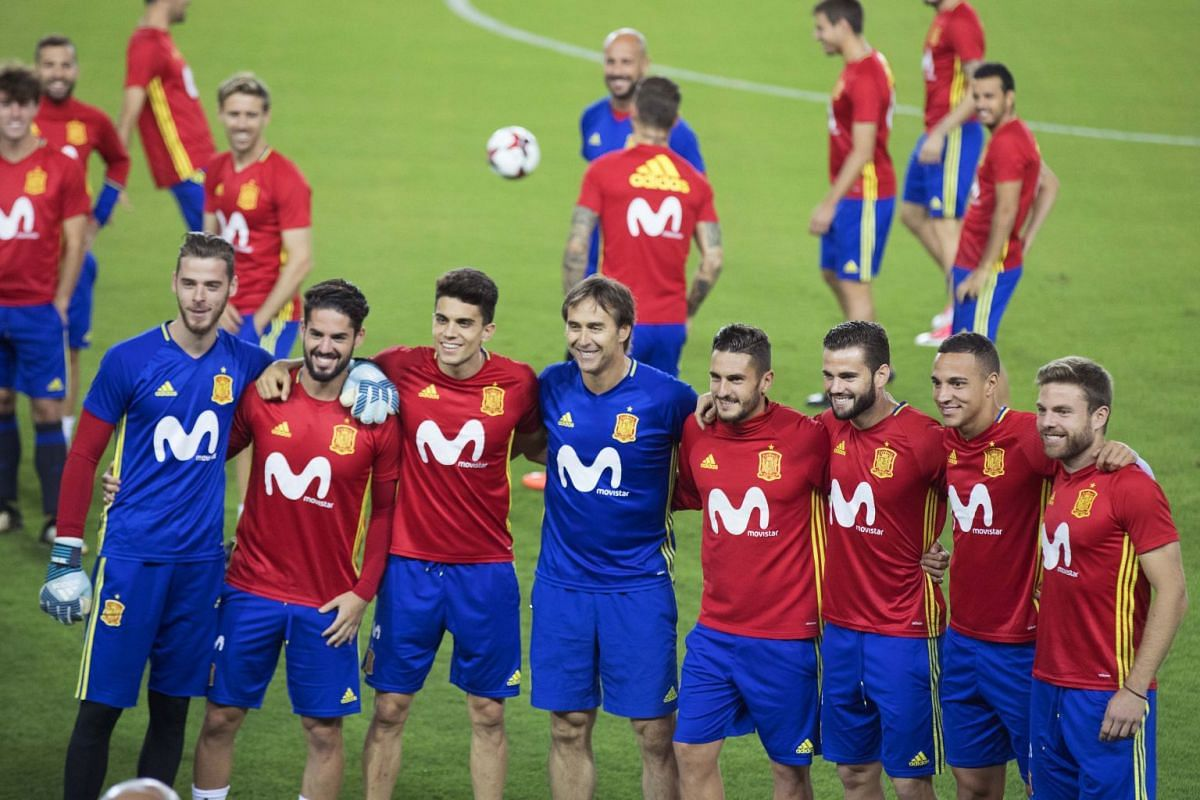Players of the Spanish national football team, and head coach Julen Lopetegui (fourth from left) pose for a photo during a training session in Jerusalem, Israel, on Oct 8, 2017.  PHOTO: EPA-EFE