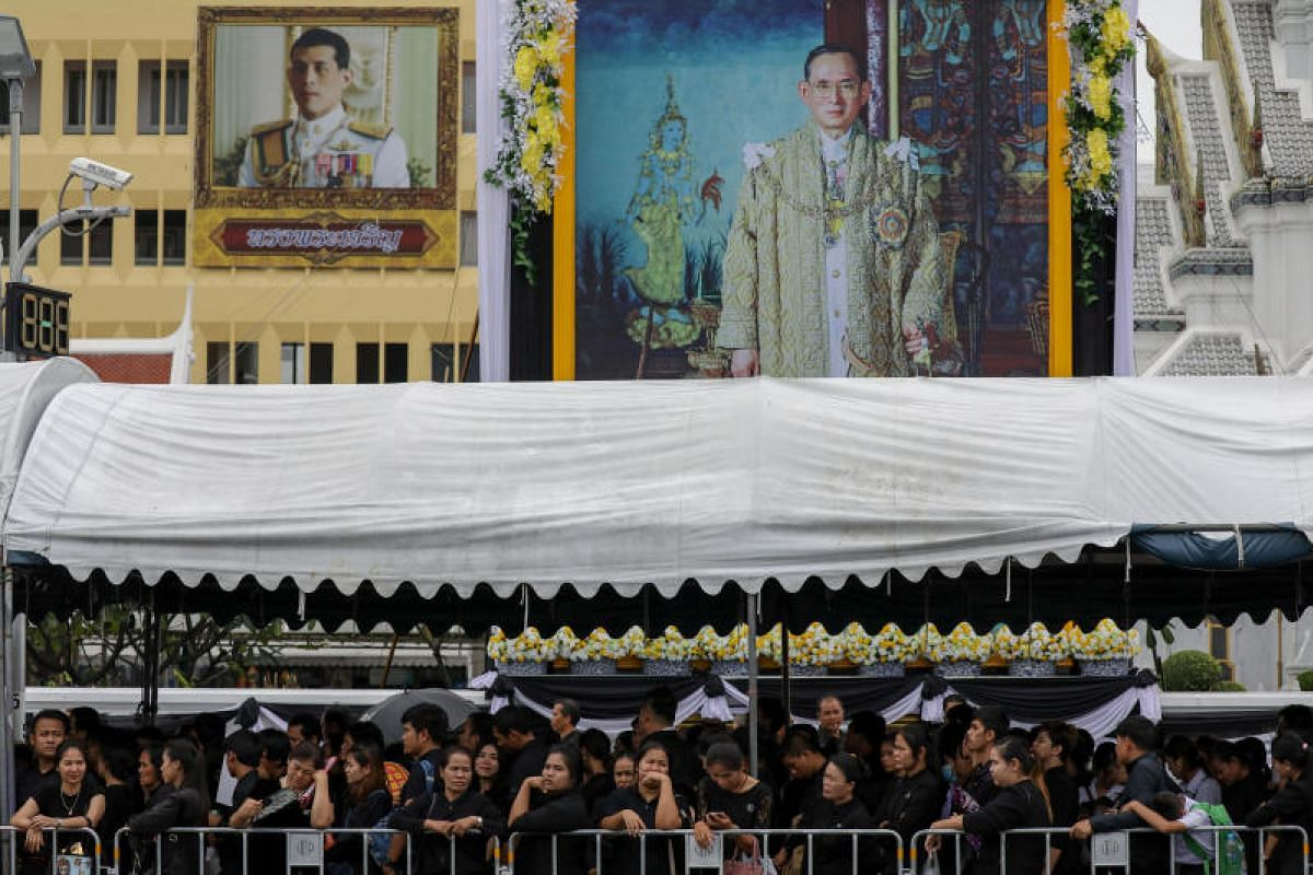 Mourners lining up to pay their last respects to the King near the Grand Palace in Bangkok.