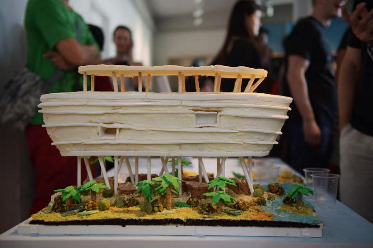 A cake version of a boat-shaped hotel in China, Crowne Plaza Haitang Bay, by the team from global architectural firm WATG, was awarded second prize.