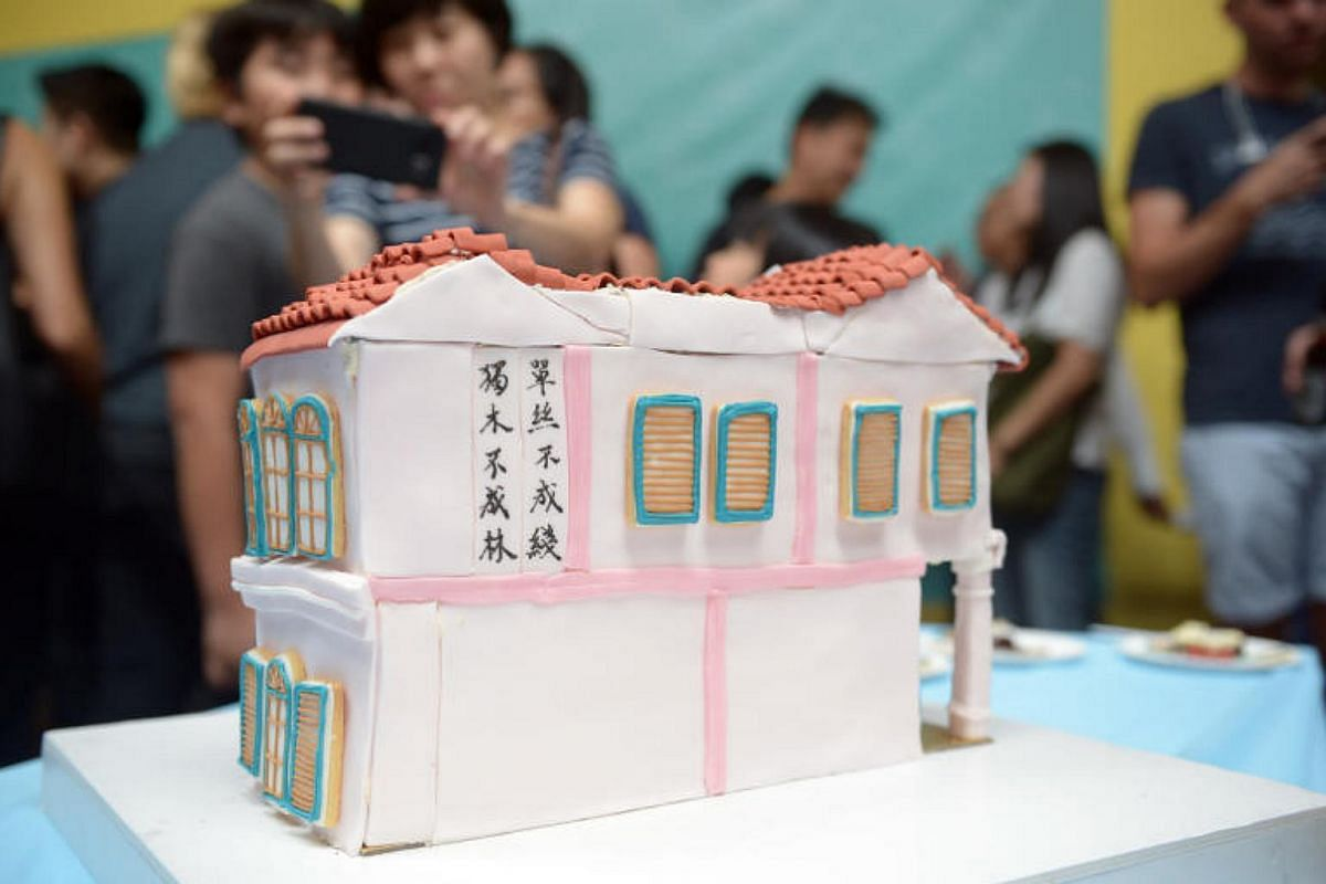 Architecture firm Parks + Associates created a cake designed like an old shophouse.
