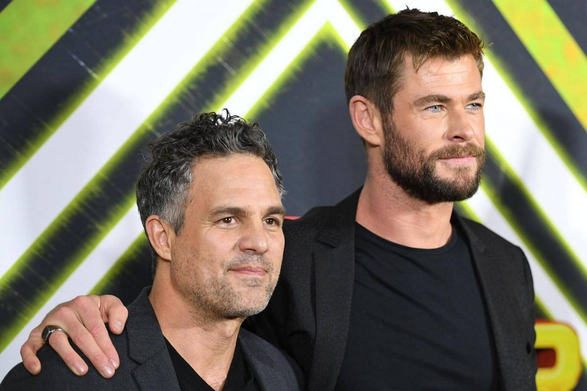 Australian actor Chris Hemsworth (right) and US actor Mark Ruffalo arrive on the red carpet for the special screening of the film Thor: Ragnarok based on the Marvel Comics character, in Sydney on Oct 15, 2017.