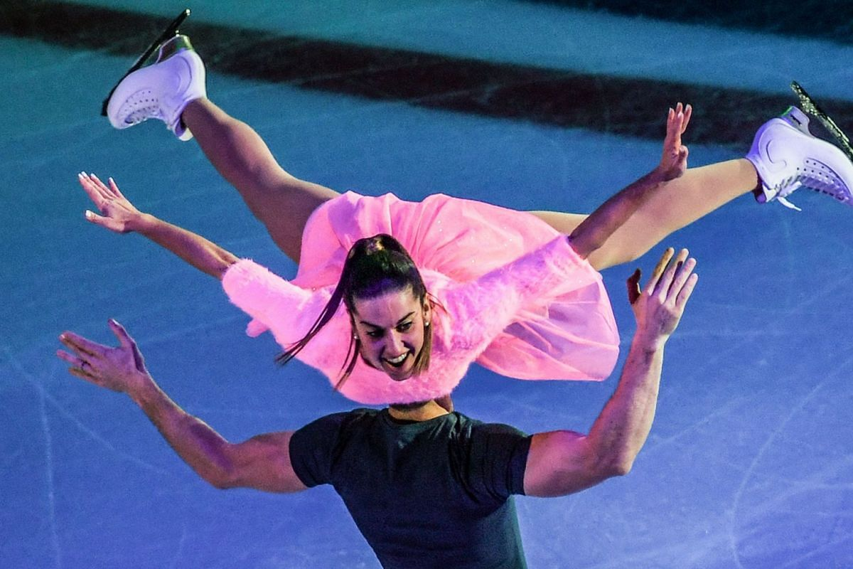 Italian Valentina Marchei and Ondrej Hotarek perform during the gala-exhibition at the ISU Grand Prix Rostelecom Cup in Moscow on October 22, 2017. PHOTO: AFP