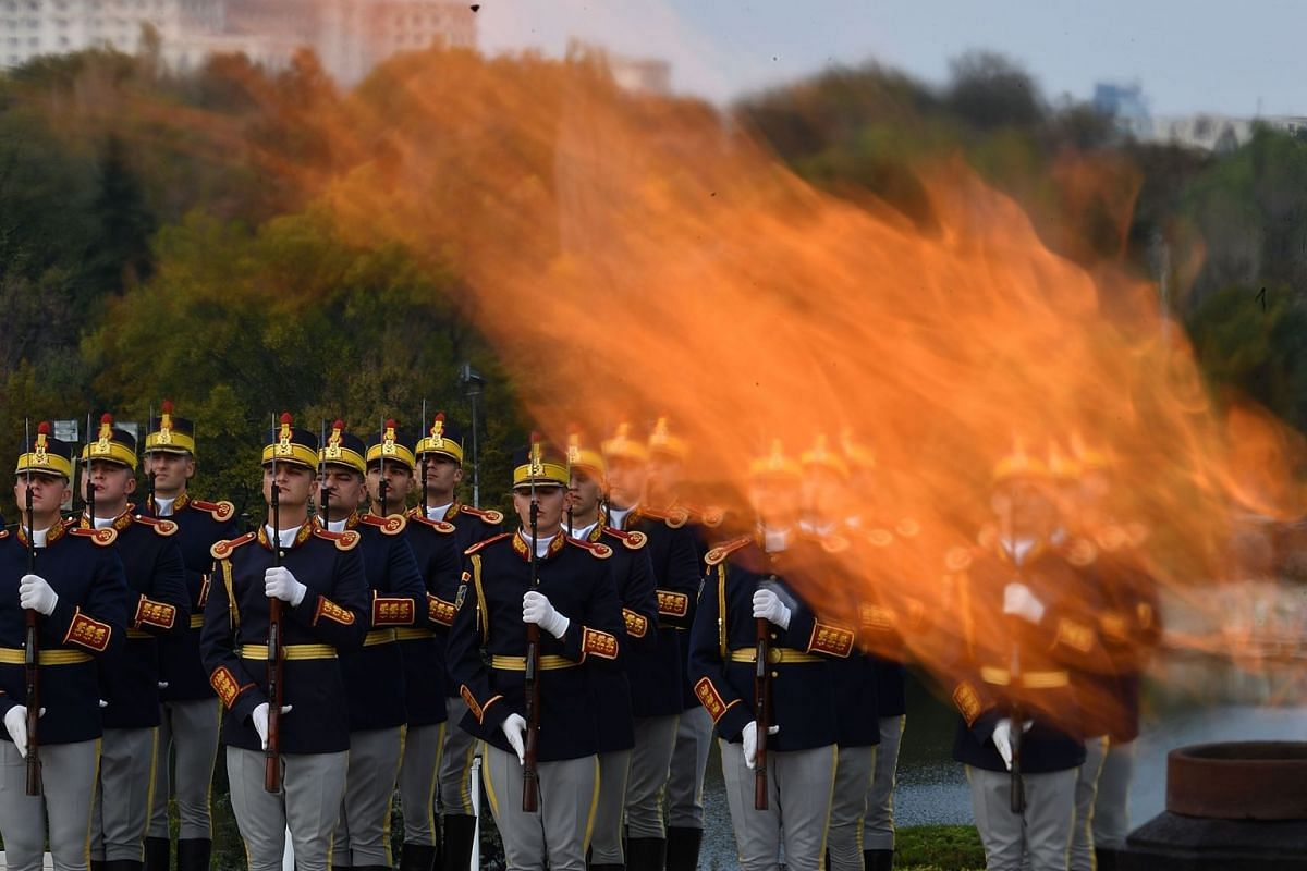 Romanian military takes part in celebration of the Romanian Army Force's Day next to the Monument of Unknown Soldier at Carol Park in Bucharest October 25, 2017. PHOTO: AFP