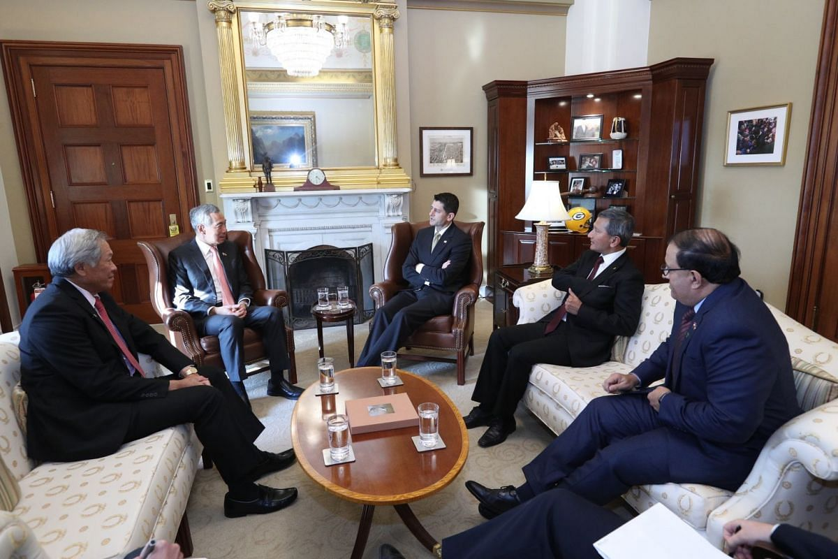 PM Lee Hsien Loong together with Minister Vivian Balakrishnan, Minister S Iswaran and Minister Ng Eng Hen have a conversation with  Speaker of the United States House of Representatives Paul Ryan.