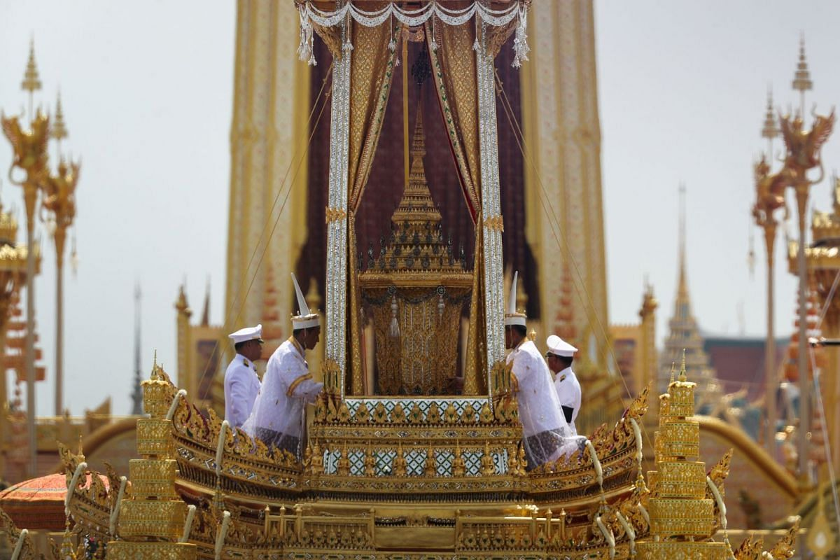 The Great Victory Chariot carrying the royal urn of Thailand's late King Bhumibol Adulyadej is pictured during the royal cremation ceremony near the Grand Palace in Bangkok , Thailand, October 26, 2017. PHOTO: REUTERS