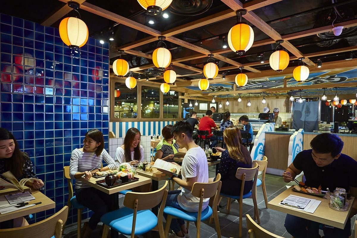 Ginzushi, which serves sashimi and chirashi don, is part of the Japanese food alley in Jurong Point's Shokutsu Ten food street.