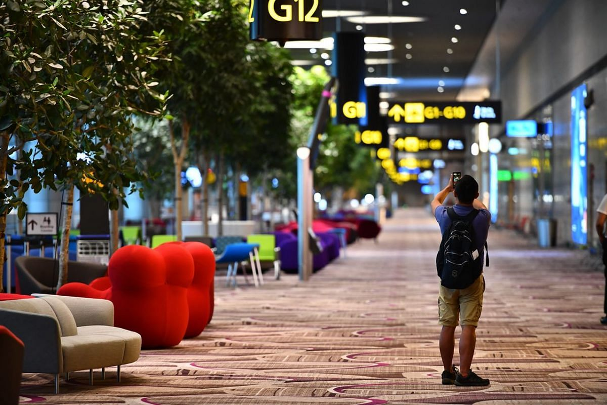 The departure transit area at Changi Airport's Terminal 4.