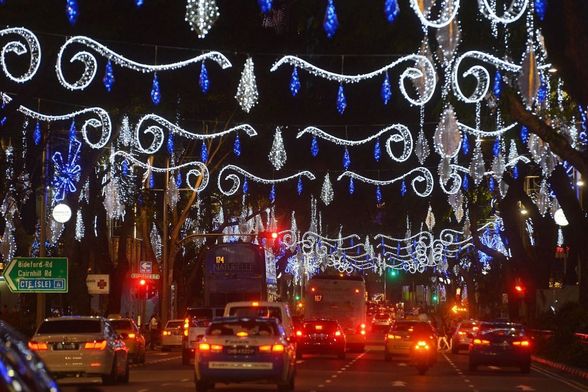 2013: The Christmas lights along Orchard Road did not include the colours red, green and amber so as to not mistake them for traffic lights.
