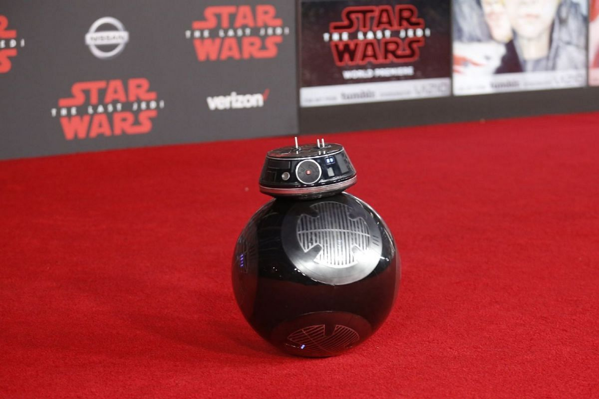 A BB-9E on the red carpet at the world premiere of Star Wars: The Last Jedi.