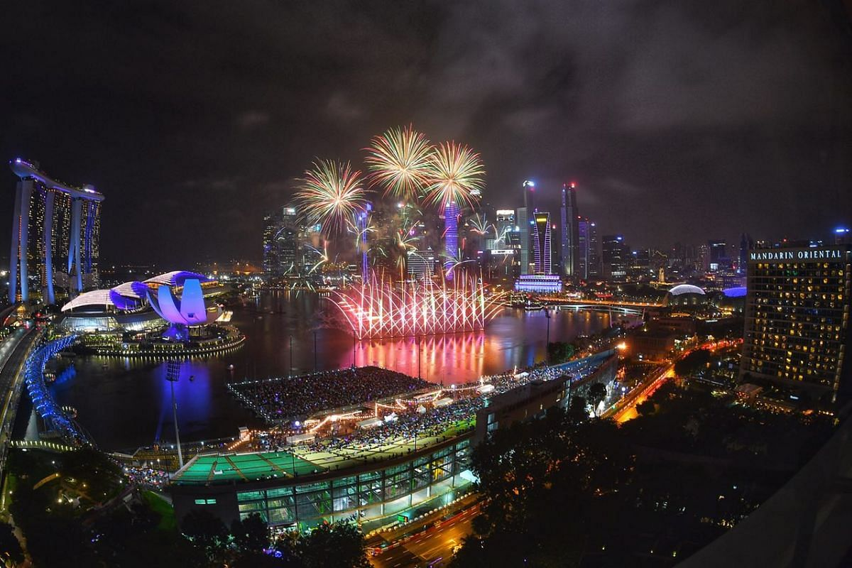 Fireworks burst over the skyline at 10pm, during an hourly display leading up to the final countdown for the New Year 2018 celebrations in Singapore on Dec 31, 2017.