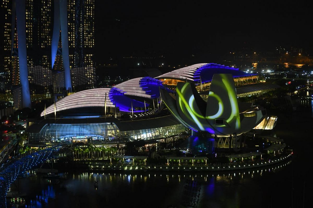 Synchronised light projections on ArtScience Museum at 10pm during the Marina Bay Singapore 2018 countdown.