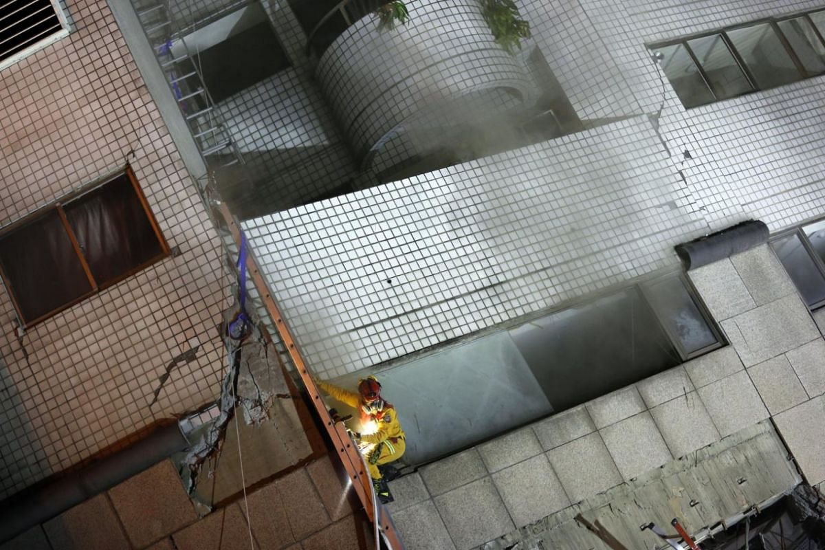 A building in Hualien damaged by the 6.4 magnitude earthquake.