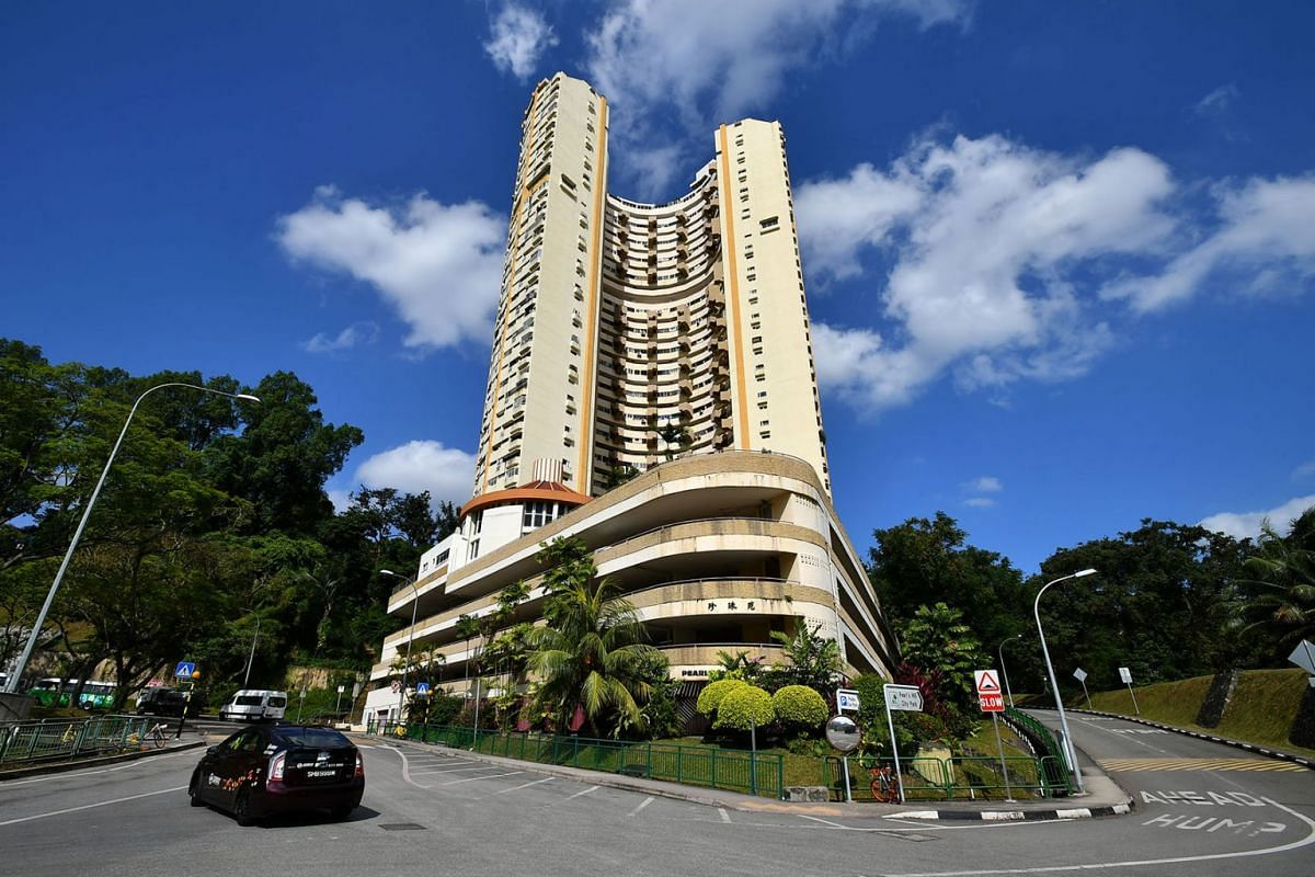 The iconic Pearl Bank Apartments in Outram, February 13, 2018.  It was sold to developer CapitaLand for $728 million in its fourth collective sale attempt over the past decade. PHOTO: THE STRAITS TIMES/LIM YAOHUI