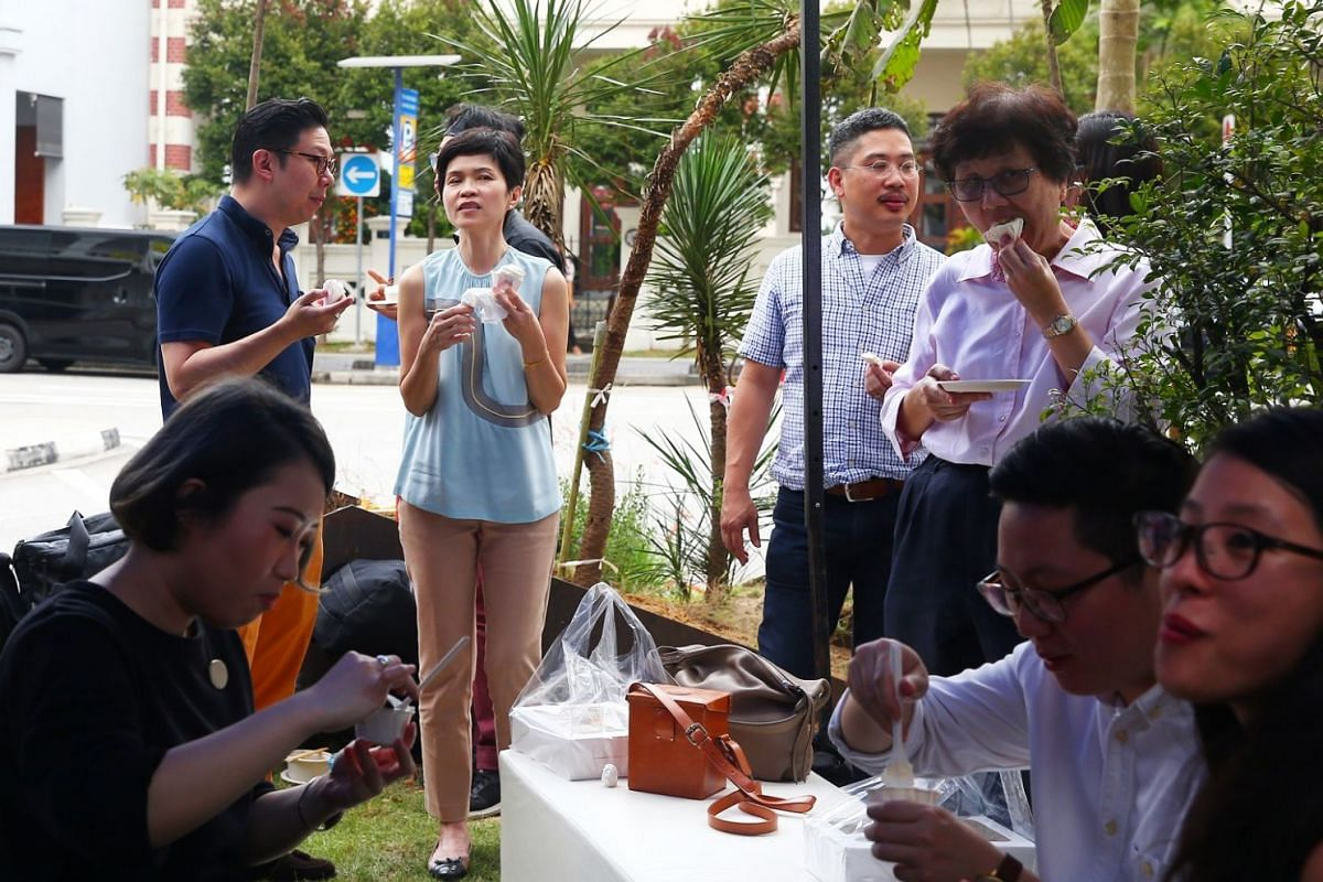 Guests enjoying food cooked by chef Andre Chiang and his team.