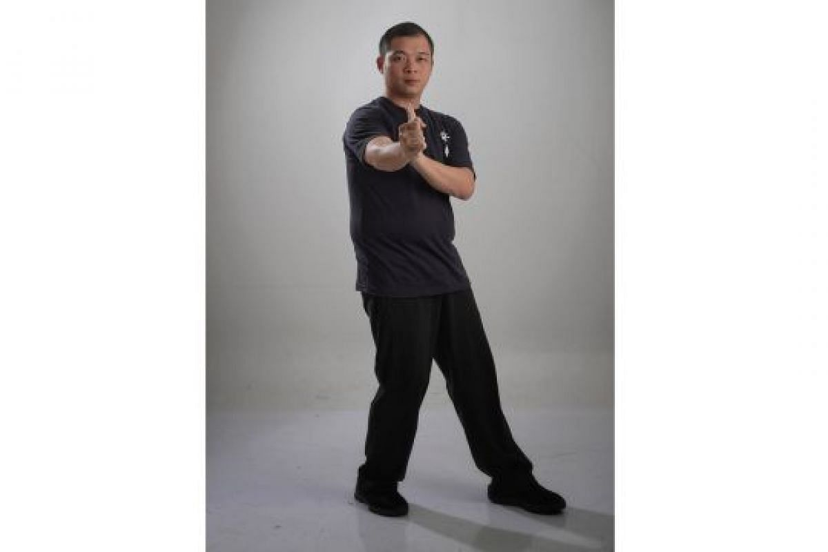 TURNING STANCE WITH PUNCH (ZHUN MA CE KEUN): Rotating the body creates a force that can be used to power a strong punch to an attacker.