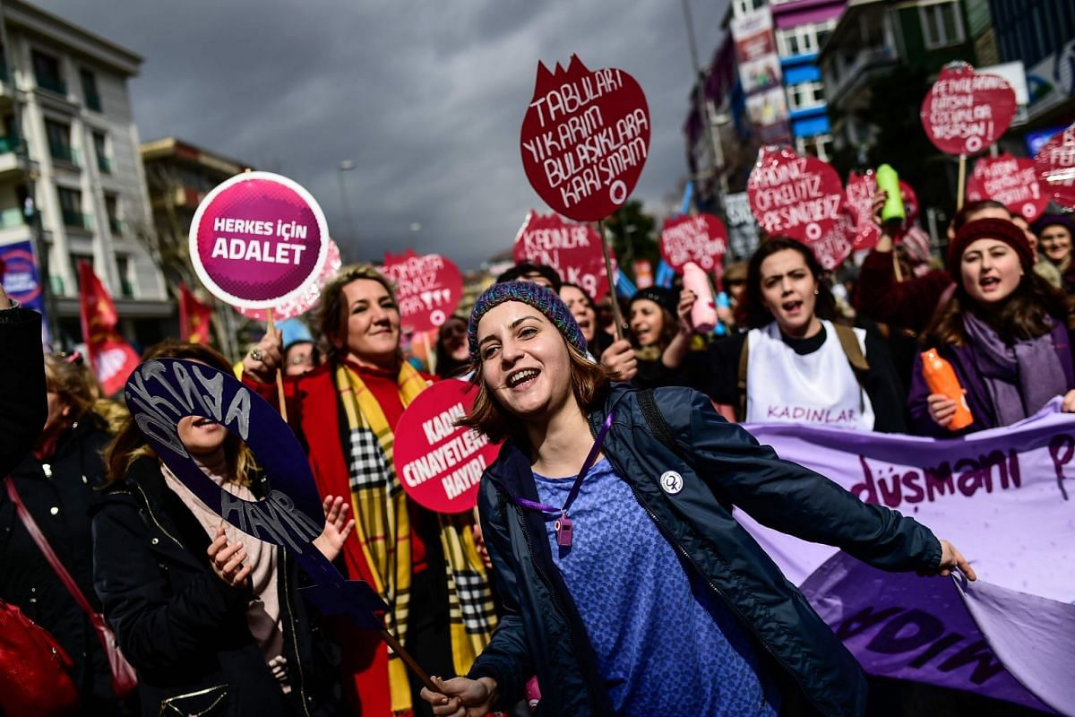 Demonstrators shout slogans during a Women's Day rally in Istanbul on March 4, 2018. PHOTO: AFP