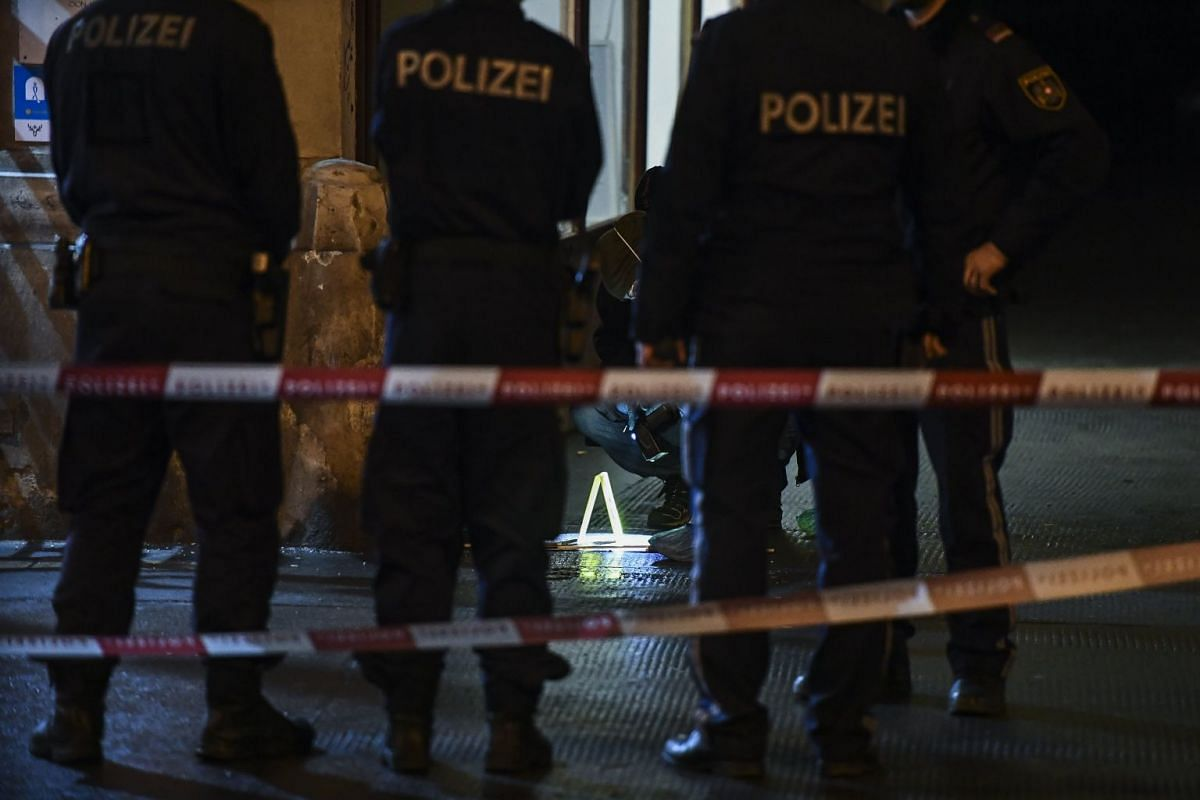 Police search the area at the Praterstrasse in Vienna, Austria, March 7, 2018. According to local media reports, a family of three people have been seriously injured in a knife attack near the Prater park earlier in theevening. PHOTO: EPA-EFE