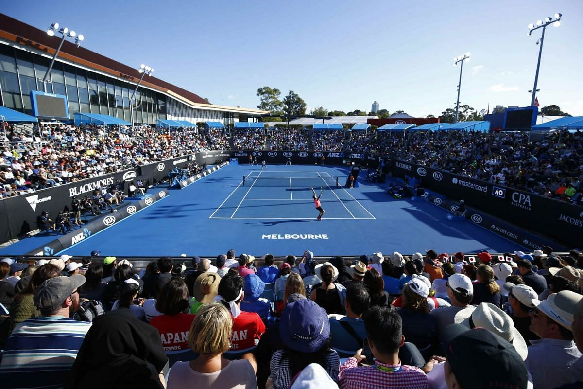 There is plenty to see, eat and drink at the Australian Open in Melbourne. You feel like a part of the action even if you get just a ground pass without tickets to major matches.