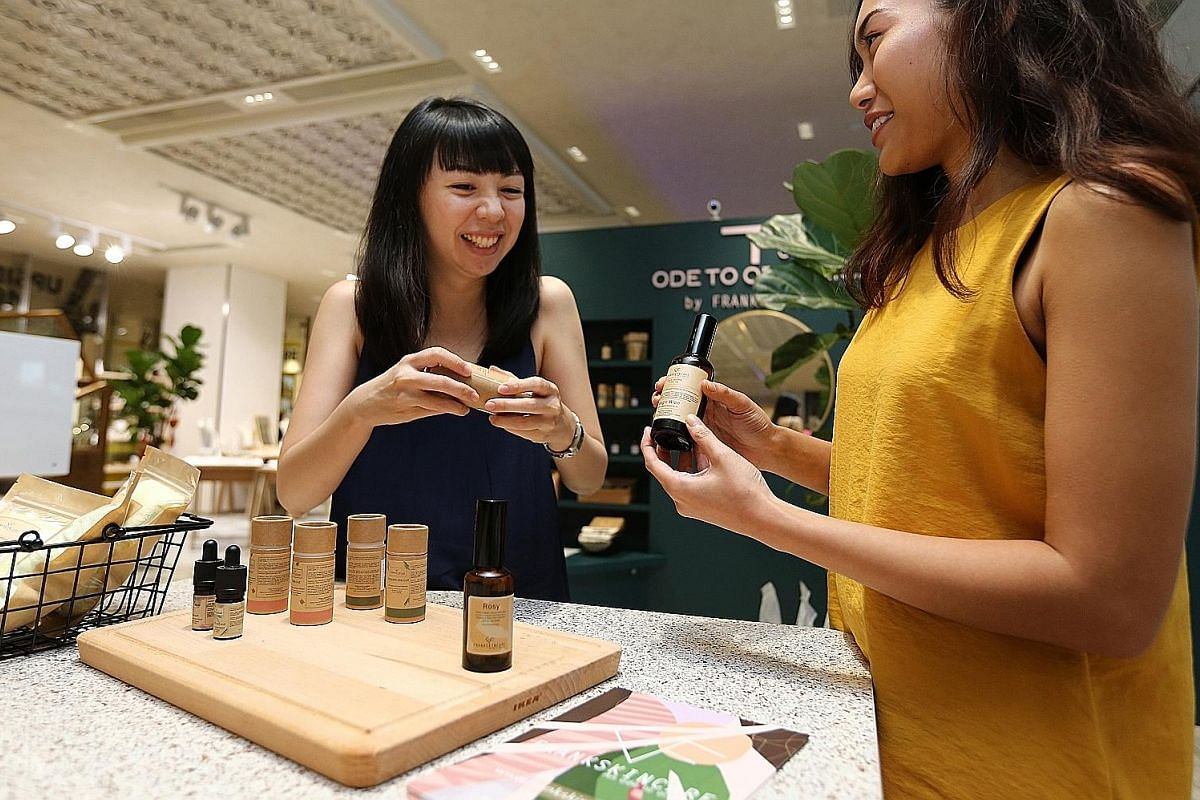 Ms Cissy Chen (far left), founder of Ode to Organics by FrankSkincare, holds weekend workshops at her Downtown Gallery space.