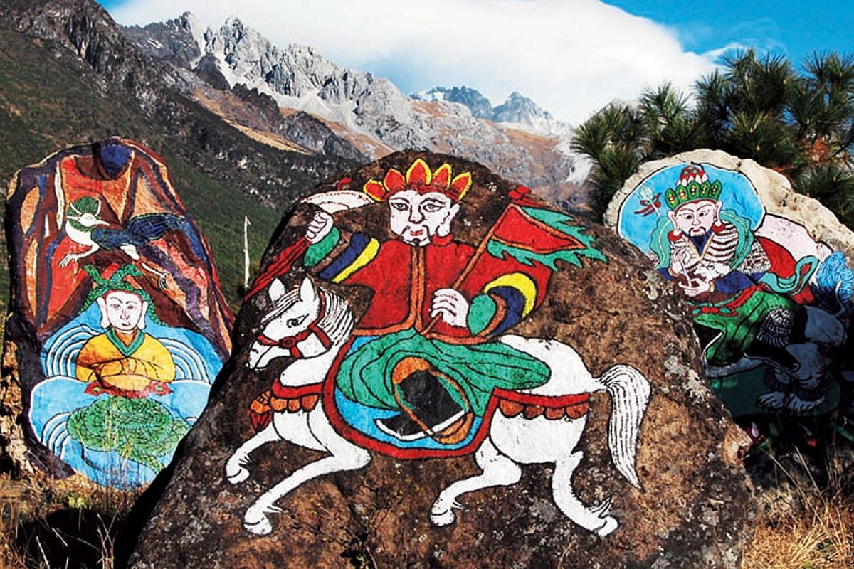 (Above) The Dongba Pantheon on Yulong Snow Mountain - the wood carvings of Dongba gods and icons are an excellent introduction to the meshing of the spirit, human and ghost worlds in Naxi spirituality. The Naxi (right) are the most familiar of Lijian