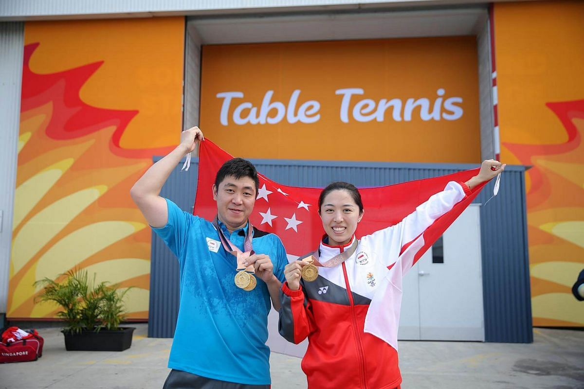 Gao Ning (left) and Yu Mengyu who won gold in table tennis mixed doubles final at Gold Coast Commonwealth Games 2018 in Australia, on April 15, 2018.