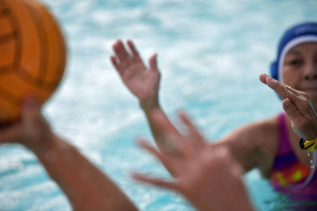 The difference from Flippa Ball and Waterpolo is that Flippa Ball is played in a shallow pool.