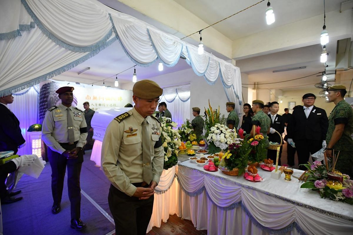 The wake, held at CFC Lee's home in Jurong East, was attended by over 50 army personnel.