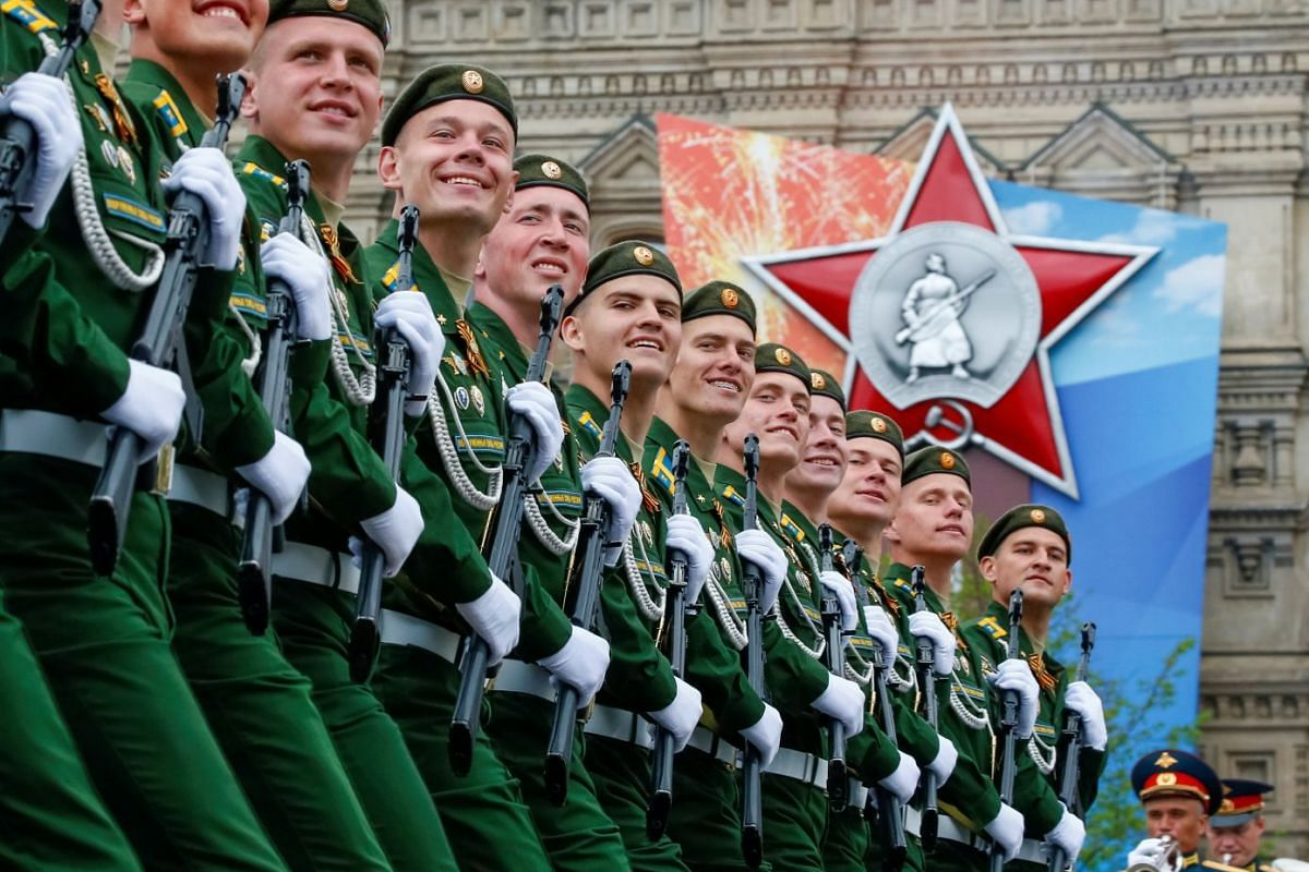 Russian servicemen march during a rehearsal for the Victory Day parade at Red Square in Moscow, Russia May 6, 2018. PHOTO: REUTERS