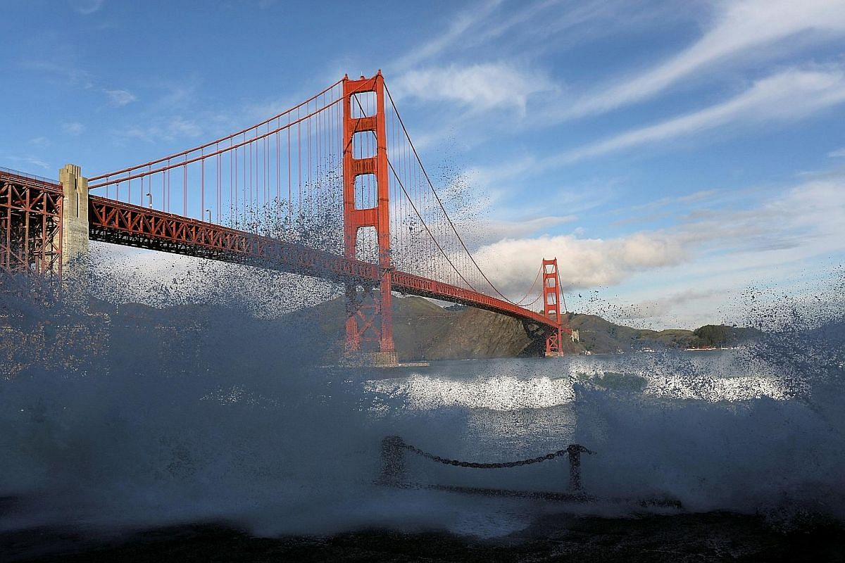 To get an authentic feel of the Golden Gate Bridge, stroll the sidewalk, even if only part of the way.