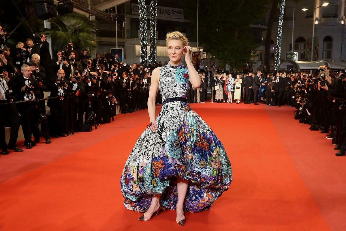 For the premiere of Cold War (Zimna Wojna) on May 10, 2018, Blanchett sported her brightest gown, a flower-splattered print in a bold, balloon shape, and teamed it with shiny gold heels.