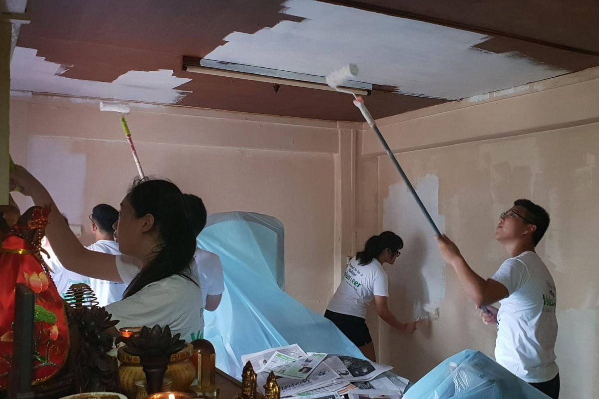 The volunteers took about 6 hours to spruce up the flat.