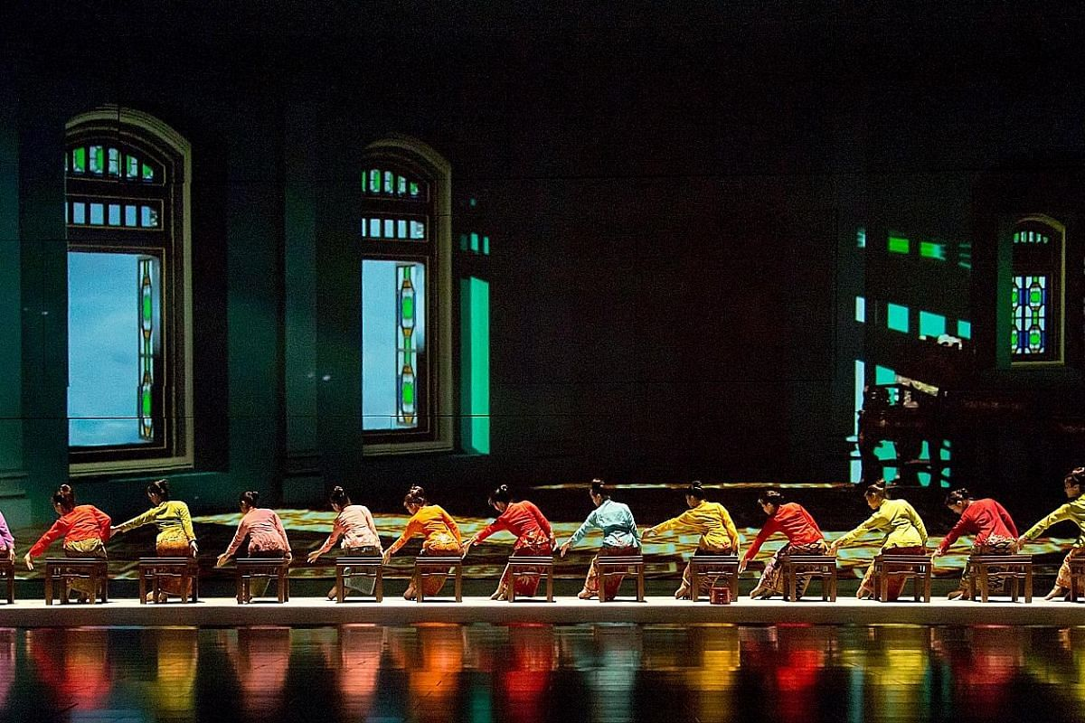(Left) The show features Baba Nyonya culture and is performed in English, Mandarin, Bahasa Malaysia and more. (Right) A dance scene involving water at the Encore Melaka Theatre, which has multi-stage hydraulic sets.