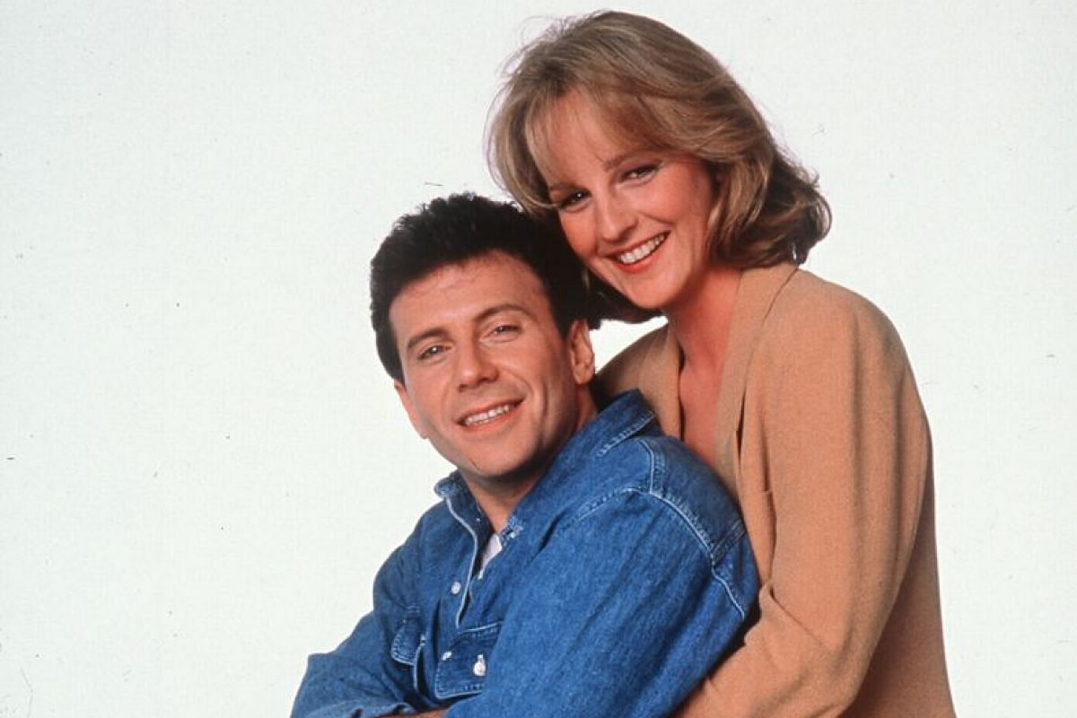 Mad About You (1992 to 1999), the comedy sitcom about the married life of New York couple Paul (played by Paul Reiser) and Jamie (Helen Hunt, both above) Buchman.