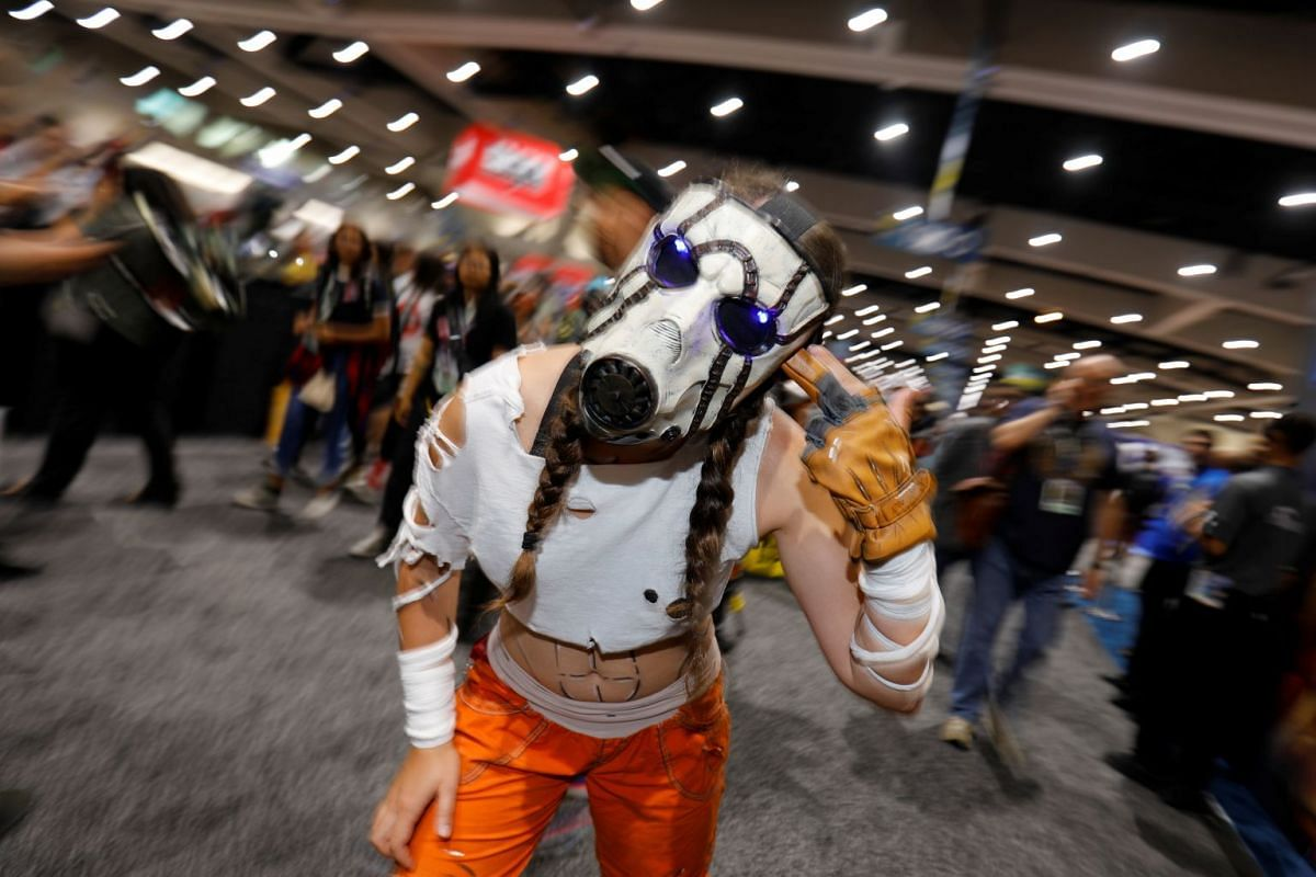 An attendee dressed as a character from the Borderlands games poses for a picture during opening day of pop culture convention Comic Con in San Diego, California, U.S. July 19, 2018. PHOTO: REUTERS