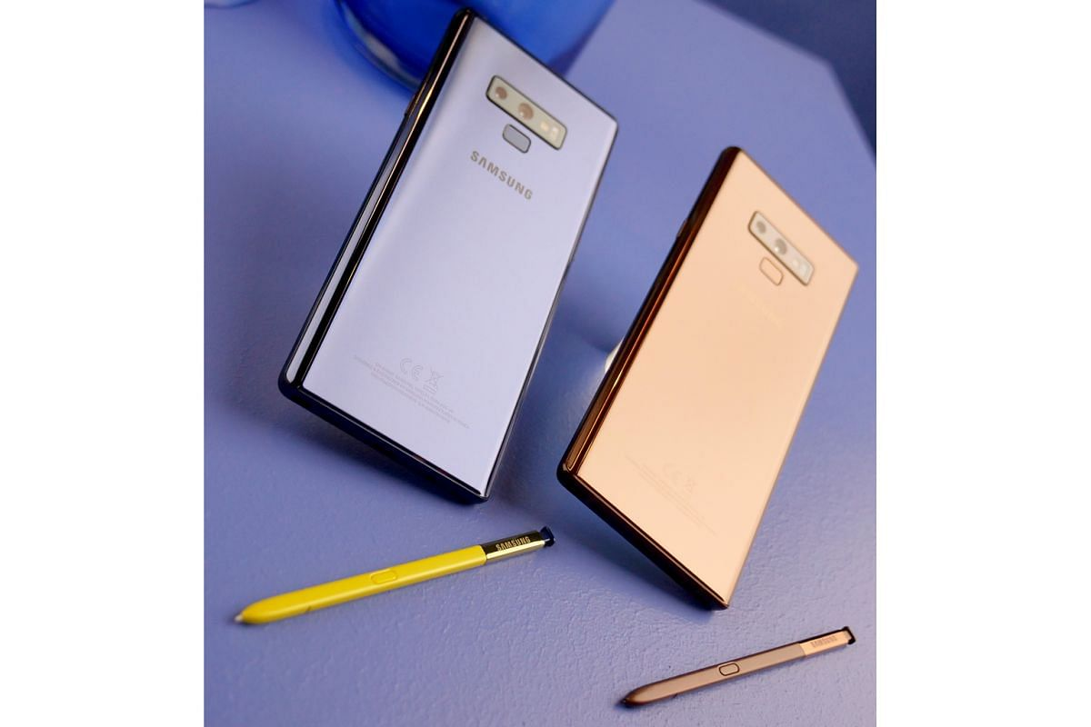The Note9's S Pen stylus can be used to activate and control the camera remotely and also works as a clicker for slide presentations.