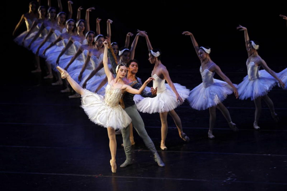 Dancers of the National Dance Company perform The Swan Lake, at the Palacio de Bellas Artes, in Mexico City, Mexico on 16 Aug 2018. The ballet by Russian composer Pyotr Tchaikovsky, will be presented from today on the great stage of Palace of the Fin