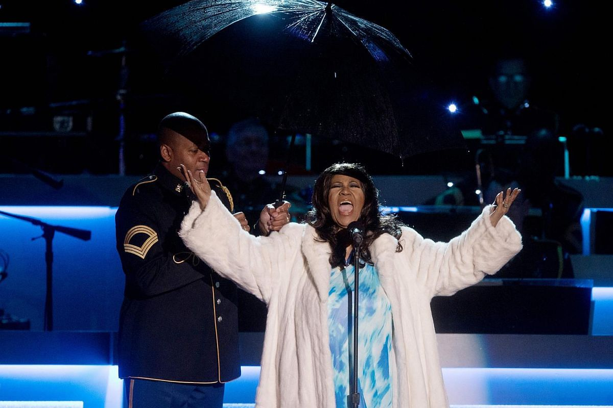 Singer Aretha Franklin performs during the National Christmas Tree Lighting ceremony on the Ellipse near the White House in Washington, DC, in this file photo taken on Dec 6, 2013.