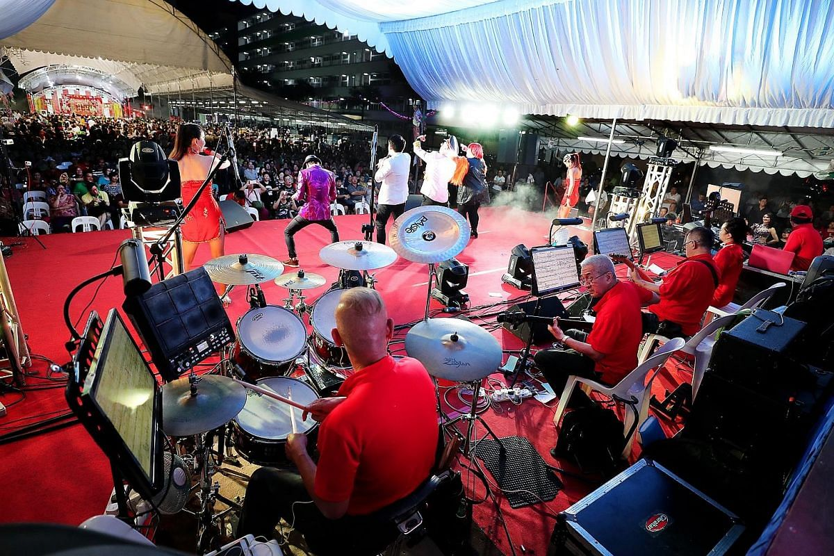 While the singers bask in the audience's applause under the glare of the stage lights, the Tai-Pan musicians stay in the background, providing a steady rhythm for the whole performance. Considering getai's seasonal nature, this once-a-year booking is