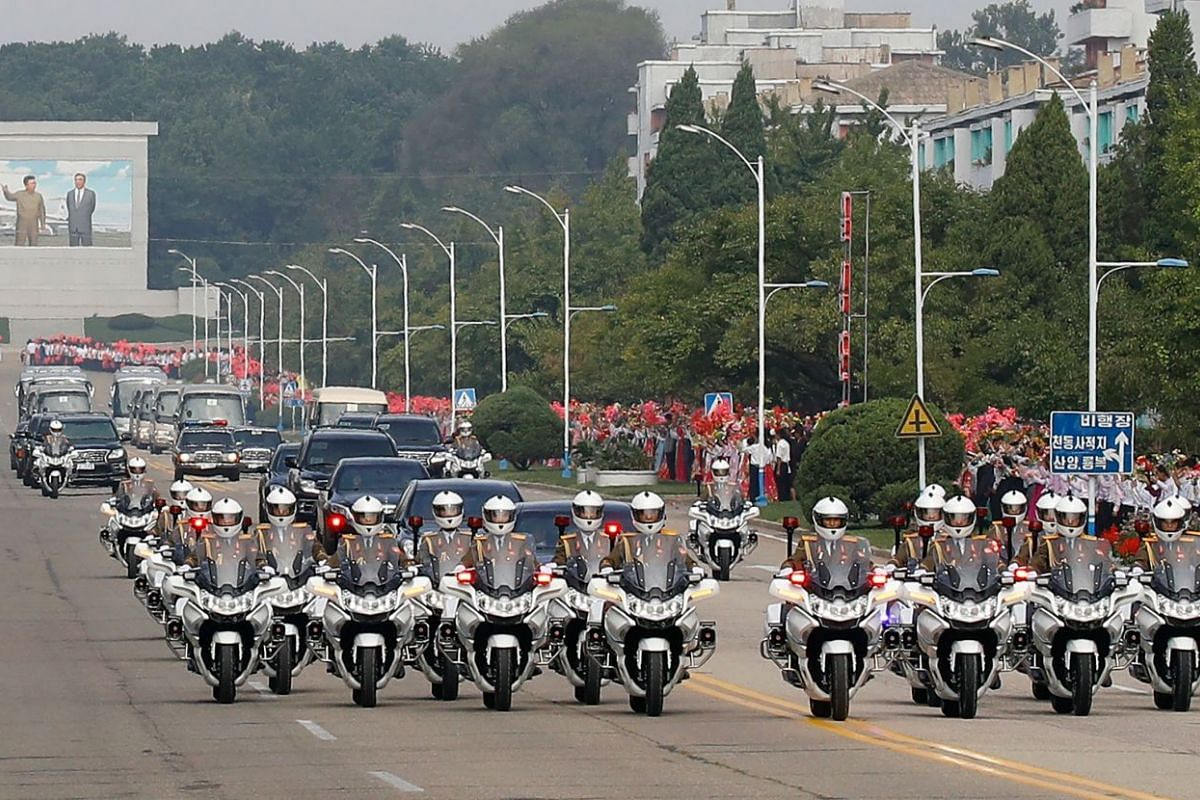A convoy transporting North Korean leader Kim Jong Un and South Korean President Moon Jae-in commutes through Pyongyang, on Sept 18, 2018.