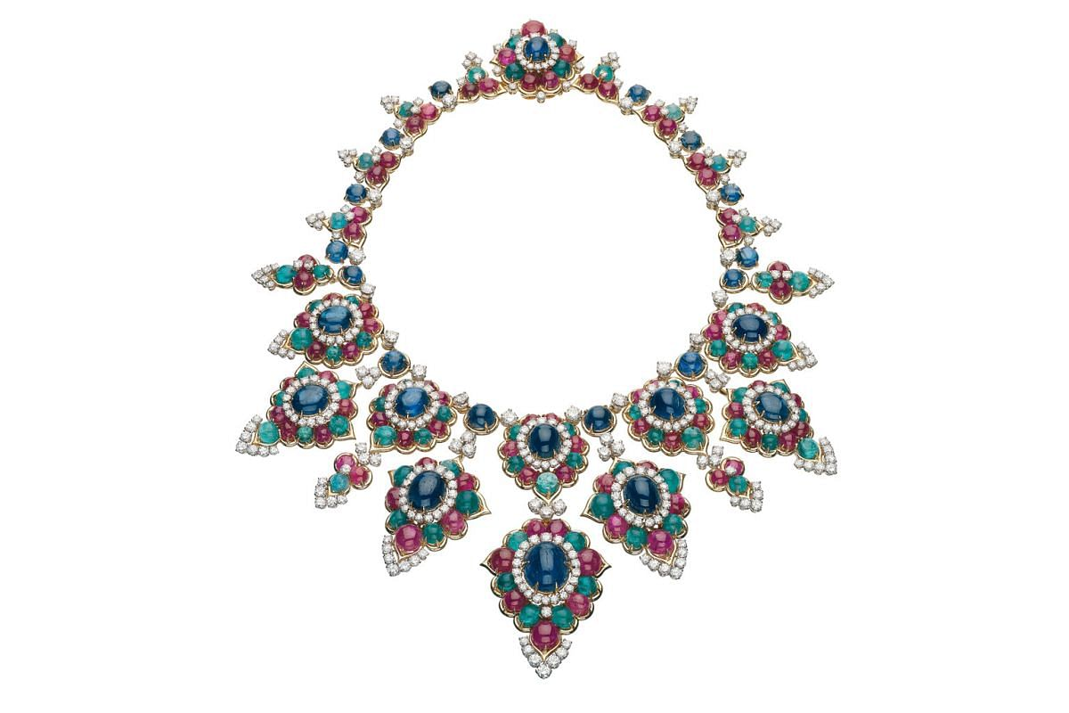 Necklace in gold with sapphires, emeralds, rubies and diamonds, 1967, formerly in the collection of Brazilian socialite Carmen Mayrink Veiga, part of the Bvlgari Heritage Collection.