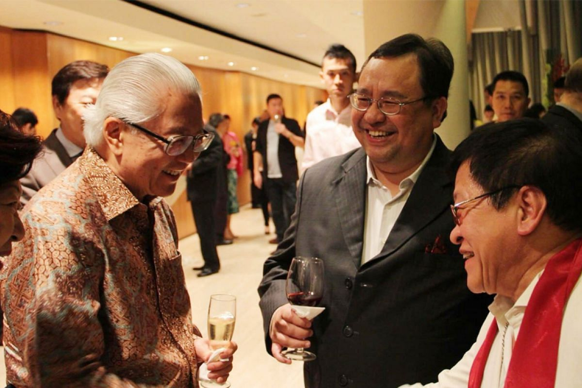 Chatting with President Tony Tan and Singapore jazz musician Jeremy Monteiro at the Esplanade Concert Hall in 2013.