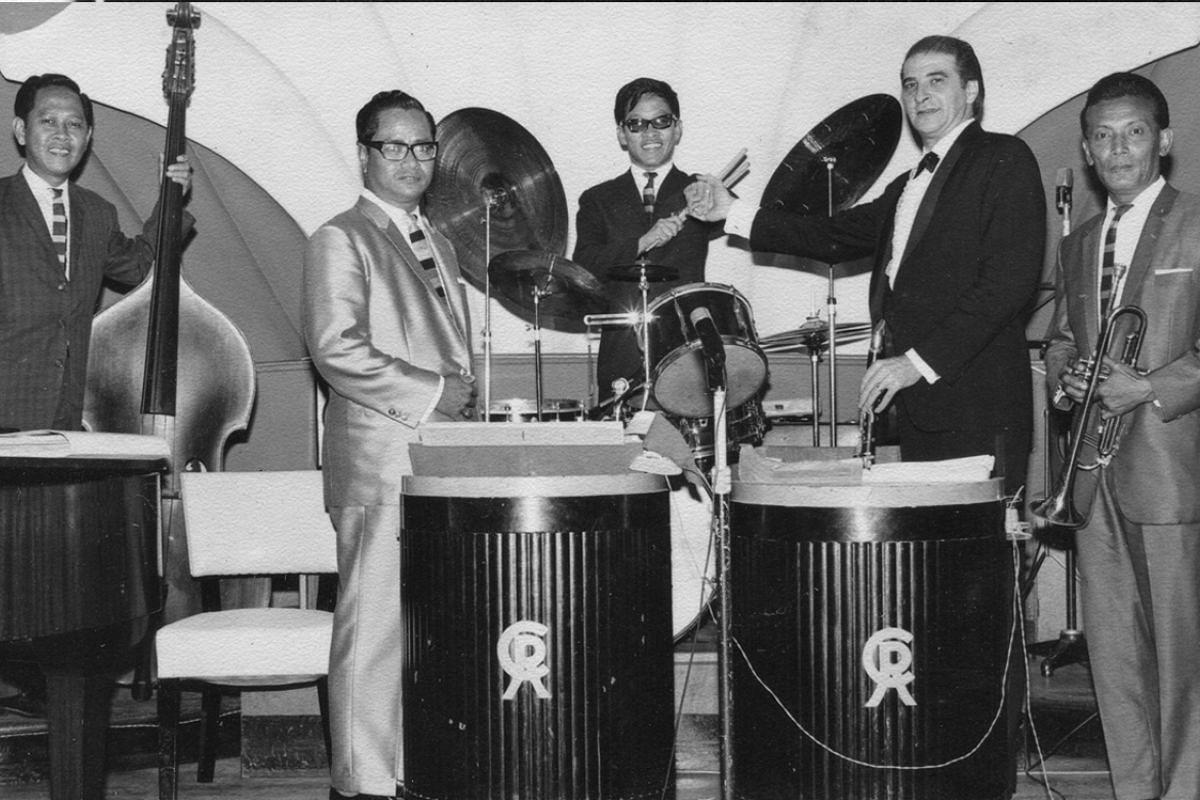 Soliano, as part of the Jose Daroya Quartet, provided backup for jazz clarinettist Tony Scott at the Cathay Restaurant in 1961.