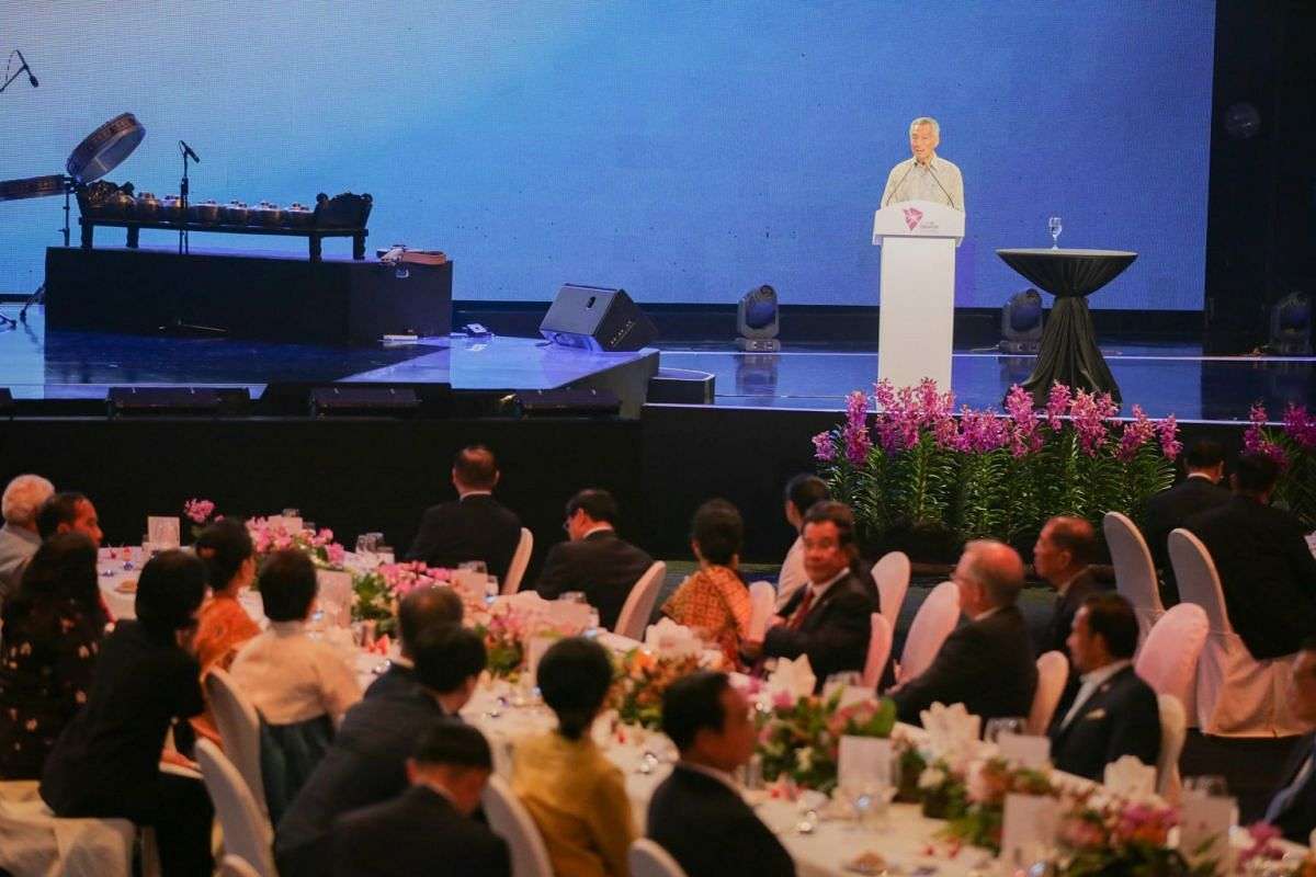Prime Minister Lee Hsien Loong delivers his opening speech at the Asean Summit gala dinner.